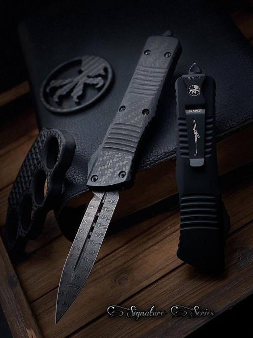 Microtech D/E Combat Troodon Damascus Carbon Fiber Top